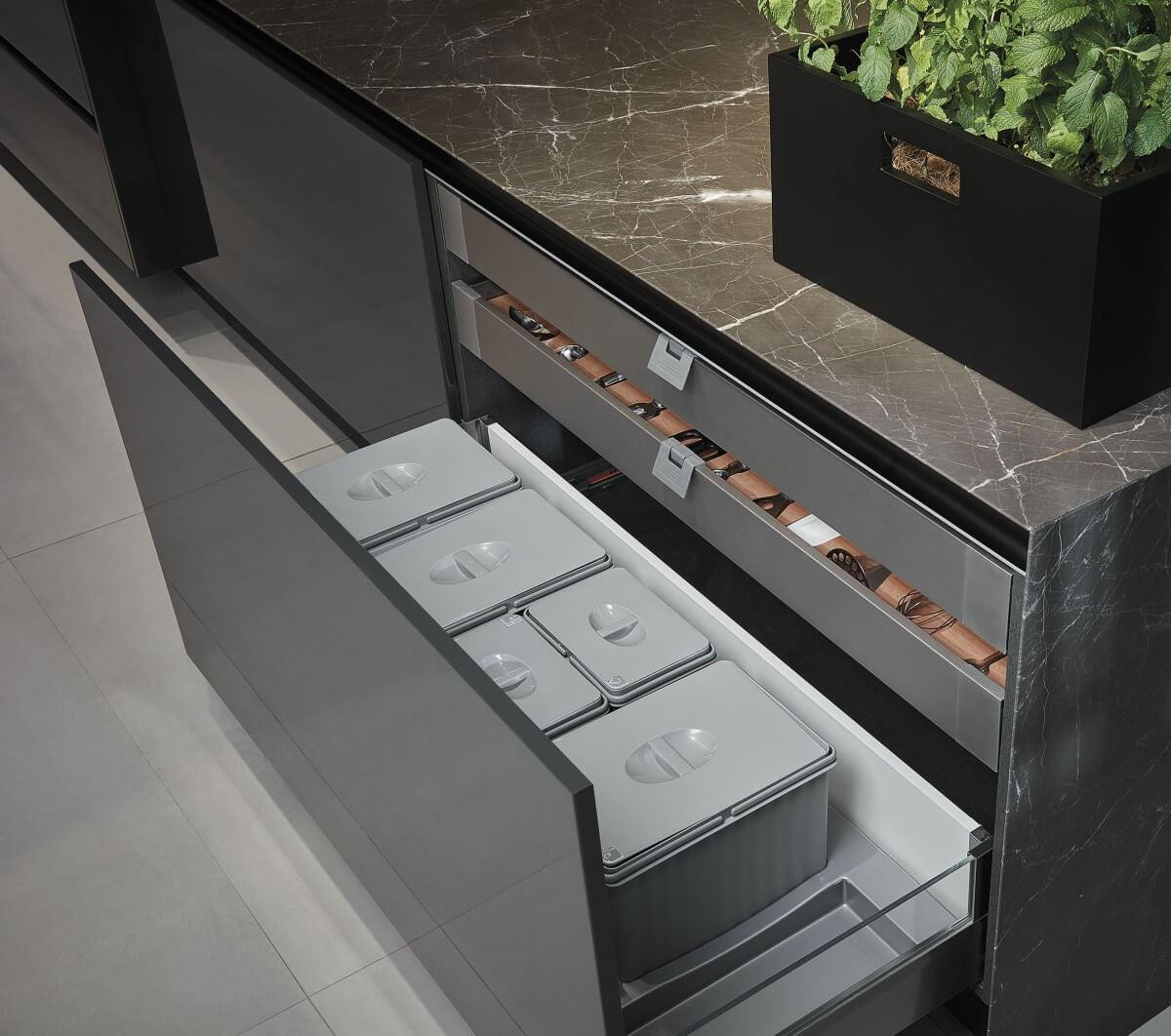 Gavetas Tandembox Altas com laterais em vidro e acessórios para lixeiras modulares