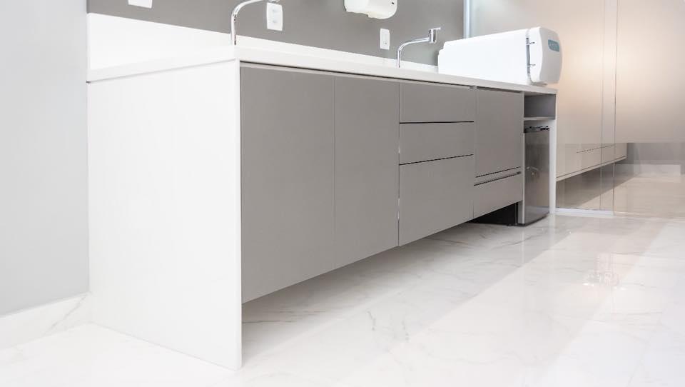 Consultório do Cirurgião Plástico | Por Cláudia Frota Arquitetura
